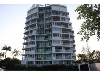 Business For Sale - Luxury Living On The Broadwater - ID 8827 BL