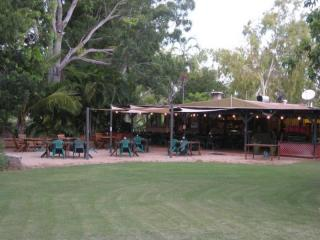 NORTHERN TERRITORY FREEHOLD CARAVAN PARK & MOTEL SHOWING 19% RETURN!!!